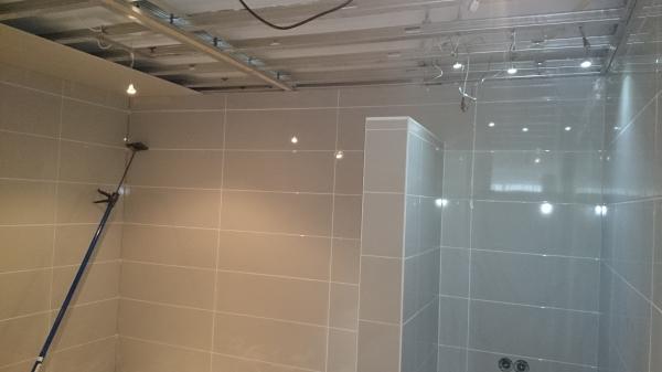 Kosten Uitbouw Badkamer ~ Badkamer Betegelen Kosten Betegelen van keuken badkamer en wc