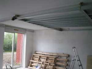 Plafond verlagen in de keuken woonkamer of het hele huis
