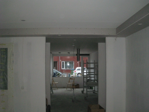 Verlaagde Plafond Keuken : plafond keuken en koof woonkamer met inbouwspots verlaagd plafond